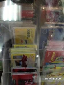 Dari segala top-up card, ada voucher Indosat juga